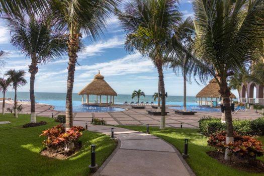 Gavias Grand condominios playa de Mazatlán